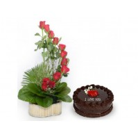 Creeping Roses with Cake