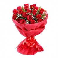 LOVELY RED ROSSES BUNCH
