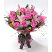 The bouquet comes with 8 Pink Roses + 2 Lilies